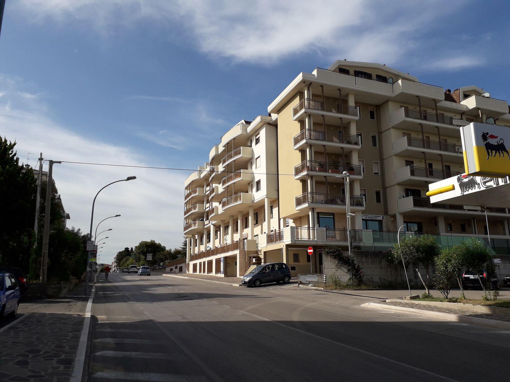 GARAGE DI RECENTE COSTRUZIONE – VASTO (Rif. 853)